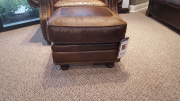 Picture of ARTIC CHESTNUT LEATHER OTTOMAN - 4919