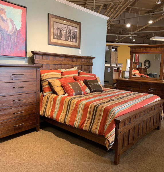 Picture of VINTAGE KING PANEL BED - 414