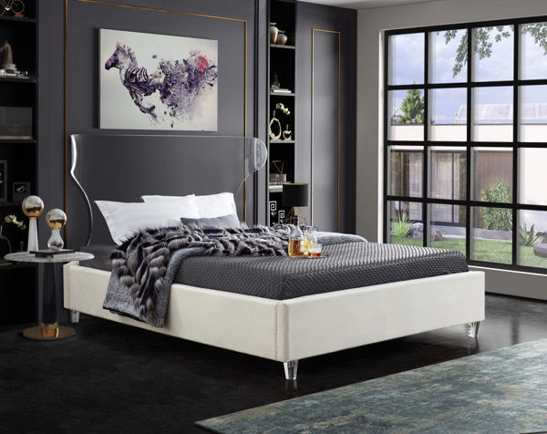 Picture of GHOST CREAM QUEEN BED